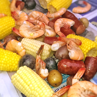 Weeknight Low Country Boil from www.jasonscooking.com